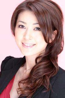 元ミスワールド日本代表 ゆうようこさんデザインの 結婚指輪の新ブランドを構築中
