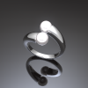 イヤリングの真珠を使っての 指輪へのリフォーム。
